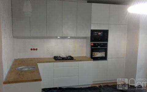 Фото угловой кухни в современном стиле